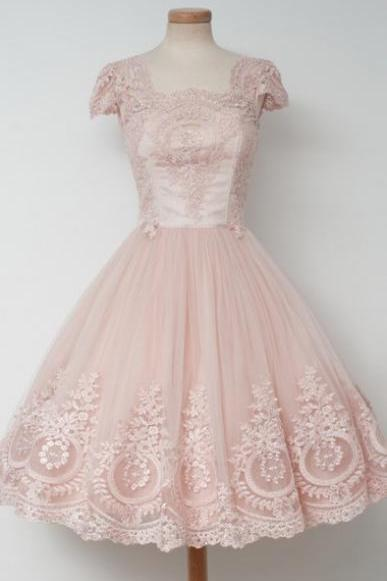 Vintage A-Line Square Neck Cap Sleeves Knee Length Light Pink Lace Homecoming Dress